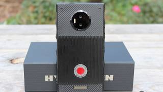 Red Hydrogen One Smartphone review hologrphic