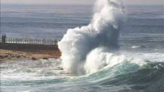 Watch Belinda Carlisle Too Much Water video
