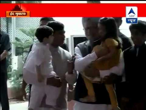 PM Manmohan Singh's Eid greetings at Shahnawaz Hussain's residence