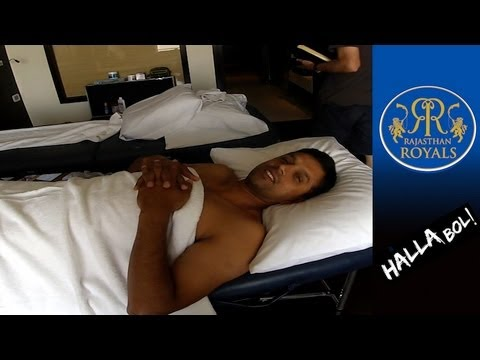 RAHUL DRAVID: Funny Physio Room chat - Brad Hogg's IPL6 Video Diary