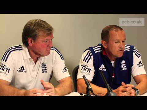 Ashes Cricket - Trott leaves Australia tour