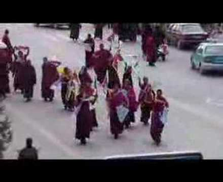 Newest footage of Monks protesting in Tibet