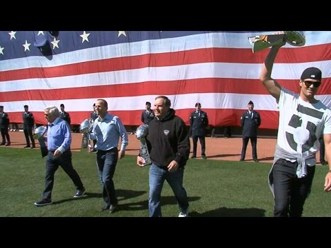 WSH@BOS: Tom Brady tosses out ceremonial first pitch
