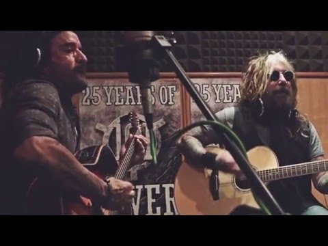The Dead Daisies - Mexico [live at Radio 101]