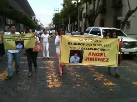 SOCIEDAD CIVIL Y FAMILIARES DE LOS JOVENES DESAPARECIDOS MARCHAN EN TEHUACAN.
