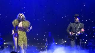 "Download Lagu Sugarland sings New song ""Bird in a Cage"" live at PNC Arena Gratis STAFABAND"