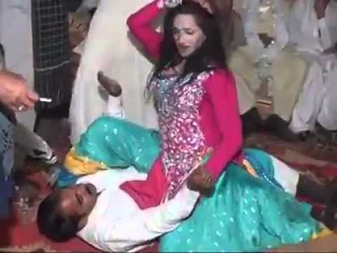 Pakistani Mujra Dancers video