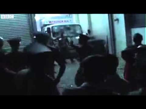 Sri Lankan Buddhists Attack Muslim-owned Store. video