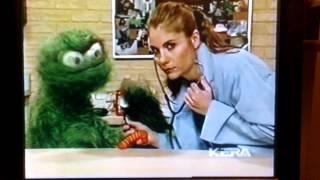 Sesame Street - Gina the Vet