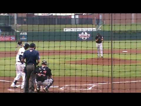 Julio Borbon hits against Eric Milton, May 7th,2009 Video