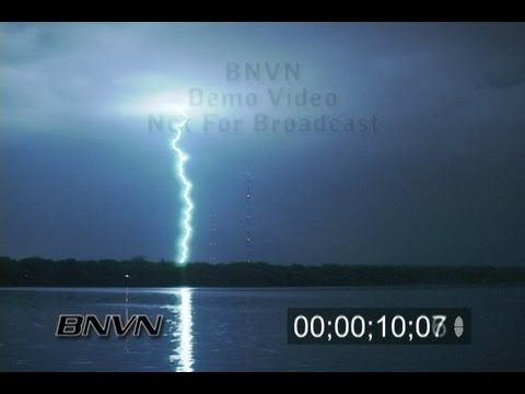 5/8/2007 Lightning footage at night near Shoreview, MN - Stock video