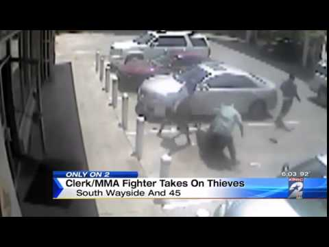 MMA fighter Beats Up Thieves at gas station Texas