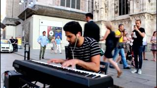 Despacito Luis Fonsi ft Daddy Yankee Piano Cover by Onell in Milano Piazza Duomo