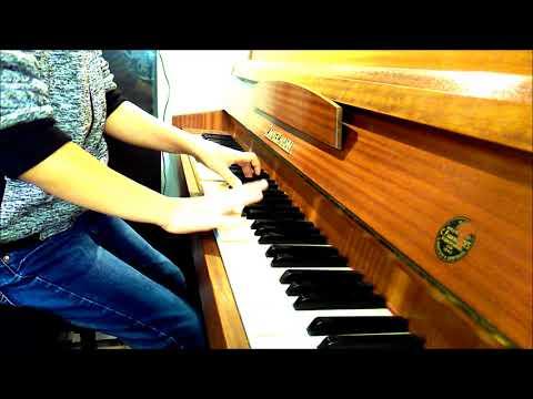 Dziesięciolatek Gra Na Pianinie
