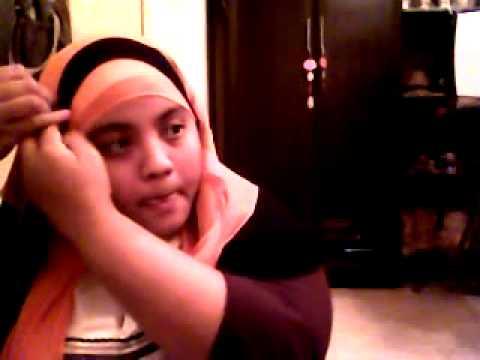 Cewek Arab Malaysia pakai jilbab