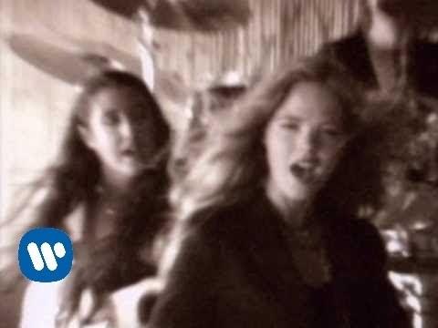 Christina y Los Subterráneos - Voy En Coche