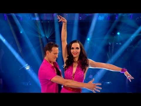 Victoria Pendleton & Brendan Cha Cha to 'Spinning Around' - Strictly Come Dancing 2012 - BBC One