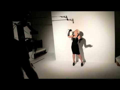Pink becomes a new face and ambassador of P&G s cosmetics brand COVERGIRL - August 2012