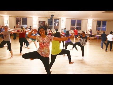 Ghammar Ghammar dance choreography   Raees   Shahrukh Khan   Gujrati Folk Song