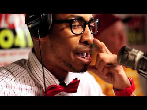 Prince Ea - AMAZING NERD RAPPER PWNS BULLIES ON LIVE RADIO (2011 MC Showcase)