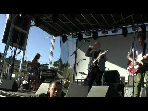 "The Vaselines - ""The Devil Inside"" & ""Hairy"" @ FYF Fest 2012"