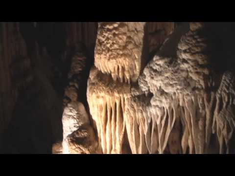 Explore The Caverns Of Luray Caverns Located In The Foothills of Virginia! Now in HD Widescreen Check out http://www.luraycaverns.com for information and a m...