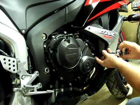 How to Install No Cut FrameSliders on a 07 CBR600RR