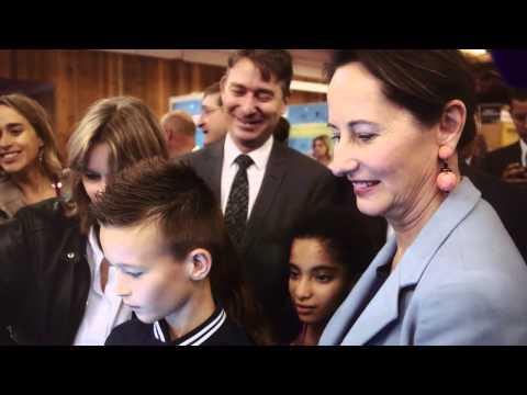 Ségolène Royal visite le Mondial de l'automobile de Paris