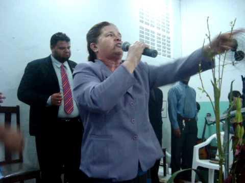 Pastora Betinha, na Glória de Deus Parte 01 .