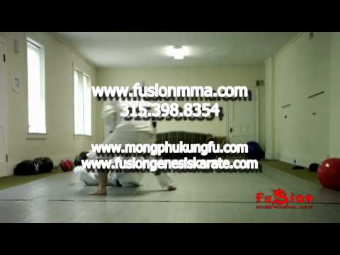 step over open guard pass for grappling (Brazilian Jiu-Jitsu, Judo, Sambo) Image 1