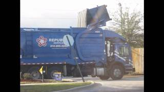 New HEIL Front Loader (in action) Garbage Truck 1-22-11