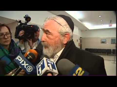 Judge Frees Man Convicted In Rabbi's 1990 Murder
