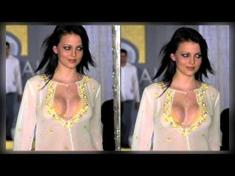 Yana Gupta Shows Her Assets | Looking Hot video