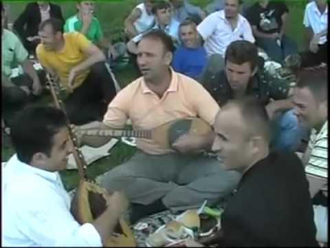 SHIKONI SI FESTOHET NJE PIKNIK PARTY NE KOSOVE  ( PICKNICK IN KOSOVO )