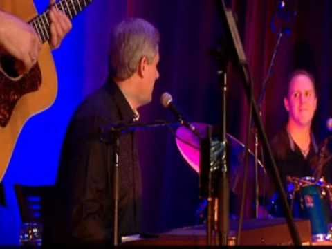 Prime Minister Stephen Harper sings Sweet Caroline by Neil Diamond