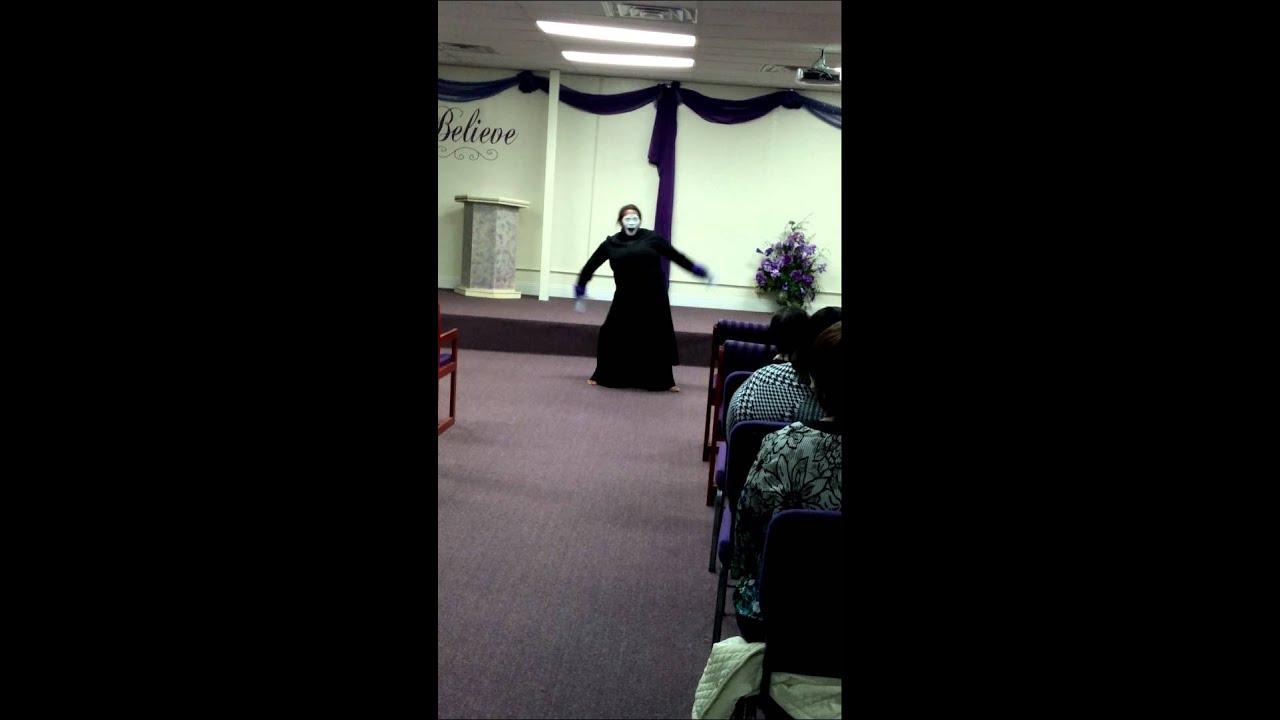 Sierra Randle miming to I'm Free by Tawinika McKoy - YouTube