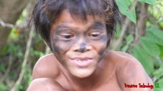 Primitive Technology - Eating delicious - Awesome cooking pig intestines