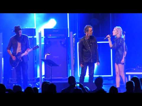 Metric and Lou Reed - Pale Blue Eyes @ Radio City Music Hall NYC 9/23/2012 HD