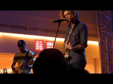 Getting into You by Relient K ( Live at Glorietta, Manila, Philippines)