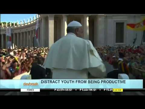 Pope Francis: Internet, Smartphones Distract Youth From Being Productive