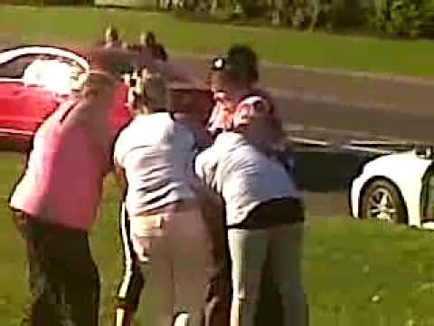 Irish travelling women fight! must watch Image 1