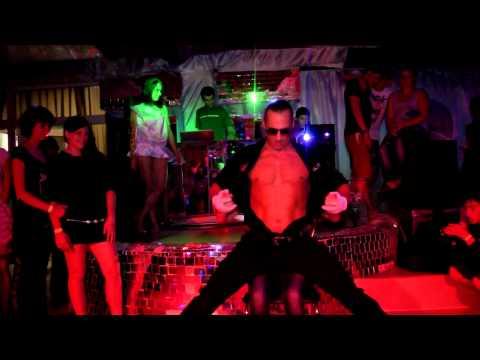 veb-kameri-strip-klub