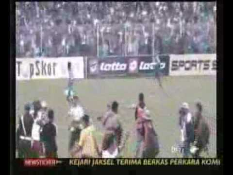 Arema Juara Liga Super (PSPS 1 vs 1 Arema).flv
