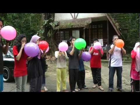 Games at Family Gathering Tiup Belon
