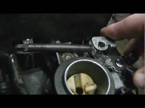 How a Briggs and Stratton Push Mower engine governor/throttle linkage is set up. and how it works.