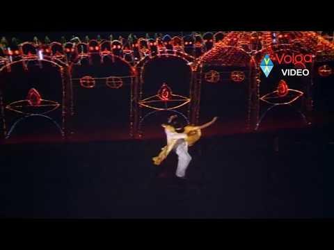 Seetarama Kalyanam Songs - Kalyana Vaibhogame - Balakrishna, Rajani video