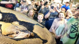 20 FOOT PYTHON (Lucy) EATS IN FRONT OF A 100 PEOPLE AT REPTILE ZOO!! | BRIAN BARCZYK