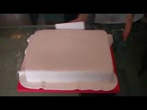 ¿ Como forrar una torta rectangular