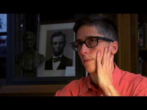 Alison Bechdel Speaks to Lawrence University