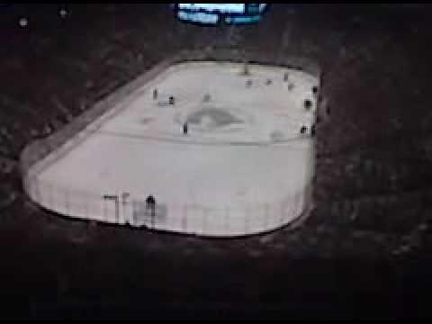 Vancouver Canucks vs Nashville Predators: Canucks Powerplay/penalty on play